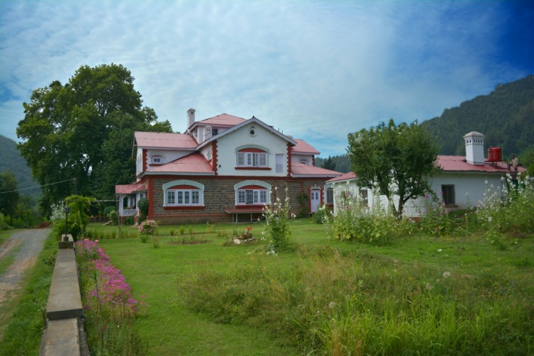 11 reasons I choose a Homestay over a Hotel, everytime!
